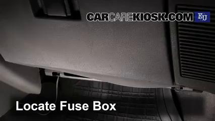 renault vel satis fuse box interior fuse box location 1990 2003 renault clio 1992 renault  interior fuse box location 1990 2003
