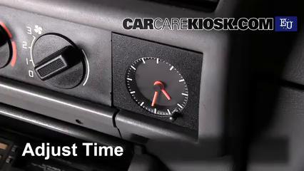1992 Renault Clio RT 1.4L 4 Cyl. Reloj
