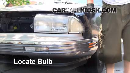 1993 oldsmobile 98 touring 3 8l v6 lights daytime running light (replace  bulb)