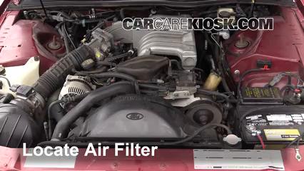 1993 Ford Thunderbird LX 5.0L V8 Filtre à air (moteur)