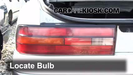 1993 Lexus ES300 3.0L V6 Luces Luz de giro trasera (reemplazar foco)