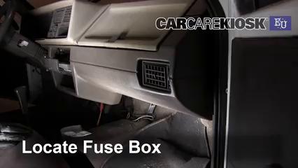 1993 Skoda Favorit L 1.3L 4 Cyl. Fusible (interior)