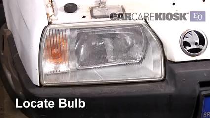 1993 Skoda Favorit L 1.3L 4 Cyl. Luces Luz de carretera (reemplazar foco)