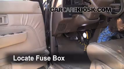 Fuse Interior Part 1 ubicaci�n de caja de fusibles interior en toyota 4runner 1990 1995  at aneh.co