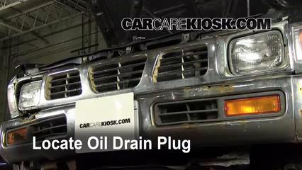 Oil & Filter Change Nissan Pickup (1986-1997) - 1995 Nissan Pickup