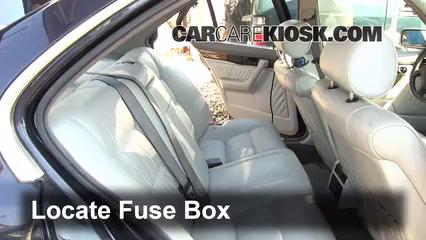 1995 BMW 540i 4.0L V8 Fusible (intérieur)