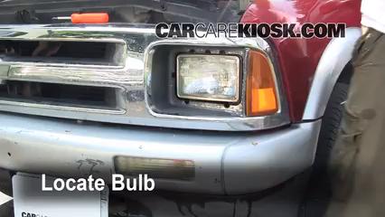 1995 Chevrolet Blazer LT 4.3L V6 (4 Door) Éclairage Feux de route (remplacer l'ampoule)