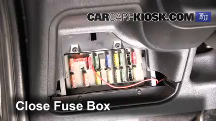 peugeot 106 zest 2 fuse box interior fuse box location 1991 2003 peugeot 106 1996 peugeot  interior fuse box location 1991 2003