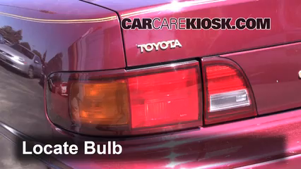 1996 Toyota Camry LE 2.2L 4 Cyl. Sedan (4 Door) Luces