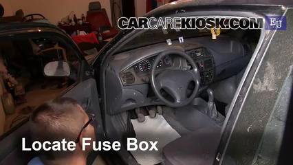 1996 Fiat Bravo SX 1.4L 4 Cyl. Fusible (interior)