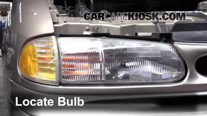 1996 Ford Windstar GL 3.8L V6 Luces Faro delantero (reemplazar foco)