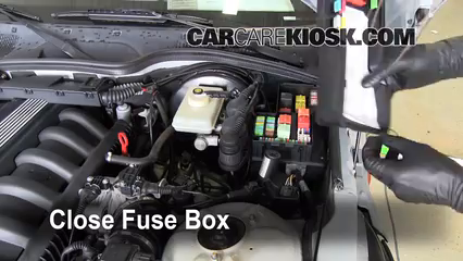 blown fuse check 1996 2002 bmw z3 1997 bmw z3 roadster 2 8l 6 cyl rh carcarekiosk com bmw z3 fuse box diagram 1998 bmw z3 fuse box location