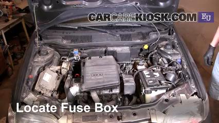 Replace a Fuse: 1993-1999 Fiat Punto - 1997 Fiat Punto SX ... on m3 fuse box, m2 fuse box, mk5 fuse box,