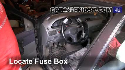 Interior Fuse Box Location 1993 1999 Fiat Punto 1997 Fiat Punto