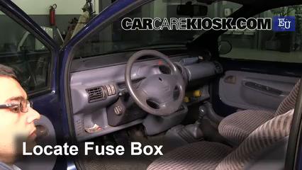 renault vel satis fuse box interior fuse box location 1993 2006 renault twingo 1997  interior fuse box location 1993 2006