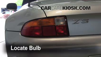 1997 BMW Z3 Roadster 2.8L 6 Cyl. Éclairage