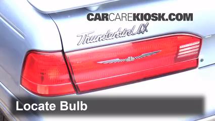 1997 Ford Thunderbird LX 4.6L V8 Éclairage