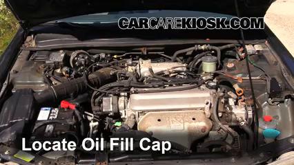 1997 Honda Accord LX 2.2L 4 Cyl. Sedan (4 Door) Aceite Agregar aceite