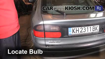1997 Renault Laguna Combi 1.6L 4 Cyl. Luces