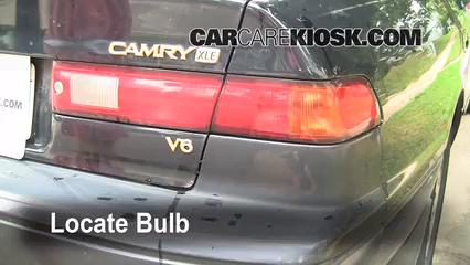 1997 Toyota Camry XLE 3.0L V6 Luces Luz de freno (reemplazar foco)