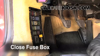 interior fuse box location 1997 2004 porsche boxster 1998 porsche rh carcarekiosk com porsche panamera fuse box location porsche panamera fuse box location