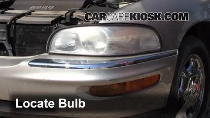 1998 Buick Park Avenue 3.8L V6 Luces Faro delantero (reemplazar foco)