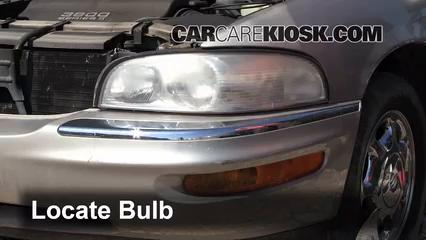 1998 Buick Park Avenue 3.8L V6 Éclairage Feu clignotant avant (remplacer l'ampoule)