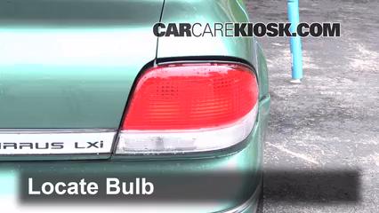 1998 Chrysler Cirrus LXi 2.5L V6 Éclairage Feux de marche arrière (remplacer une ampoule)