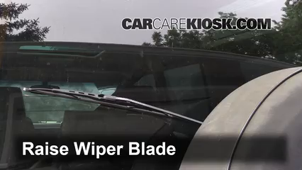 1998 Land Rover Discovery LSE 4.0L V8 Windshield Wiper Blade (Rear)