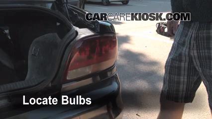 1998 Oldsmobile Intrigue GL 3.8L V6 Éclairage Feux de position arrière (remplacer ampoule)