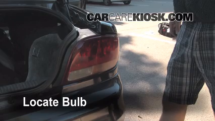 1998 Oldsmobile Intrigue GL 3.8L V6 Luces Luz de giro trasera (reemplazar foco)