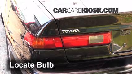 1998 Toyota Camry XLE 3.0L V6 Luces Luz de giro trasera (reemplazar foco)