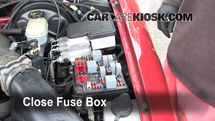 replace a fuse 1995 1997 chevrolet blazer 1995 chevrolet blazer rh carcarekiosk com 1995 chevy s10 fuse box location 1995 chevy fuse box