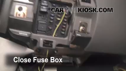 Ford F Xlt L V Extended Cab Pickup Door Ffuse Interior Part on 1997 ford expedition fuse box diagram