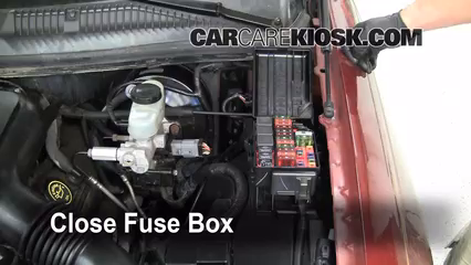 replace a fuse 1998 2011 lincoln town car 1999 lincoln town car 2010 PT Cruiser Fuse Box