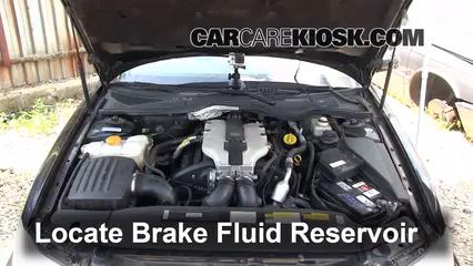 1999 Cadillac Catera 3.0L V6 Líquido de frenos Controlar nivel de líquido