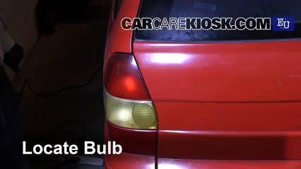 1999 Fiat Palio Weekend 1.2L 4 Cyl. Luces Luz trasera (reemplazar foco)
