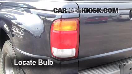 1999 Ford Ranger XLT 4.0L V6 Extended Cab Pickup (4 Door) Luces Luz de giro trasera (reemplazar foco)
