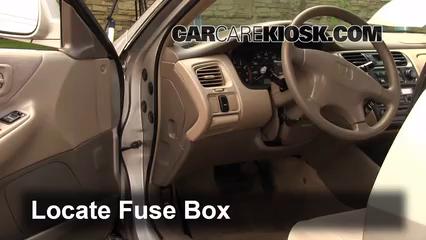 1999 Honda Accord LX 3.0L V6 Sedan (4 Door) Fusible (intérieur)