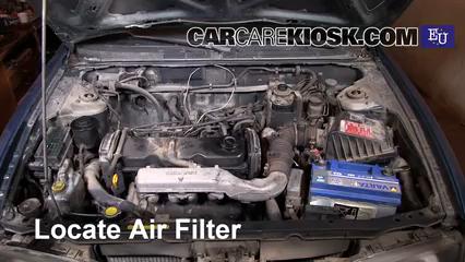 1999 Nissan Almera GX 2.0L 4 Cyl. Diesel Filtro de aire (motor) Control