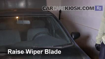 1999 Nissan Almera GX 2.0L 4 Cyl. Diesel Windshield Wiper Blade (Front)