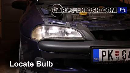 1999 Opel Tigra 1.4i 1.4L 4 Cyl. Luces Luz de niebla (reemplazar foco)