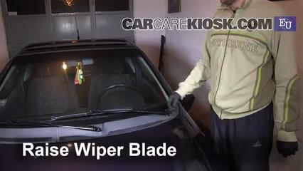 1999 Opel Tigra 1.4i 1.4L 4 Cyl. Escobillas de limpiaparabrisas delantero Cambiar escobillas de limpiaparabrisas