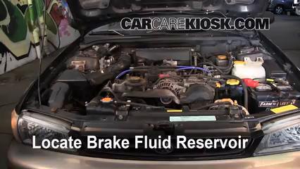 1999 Subaru Impreza Outback 2.2L 4 Cyl. Líquido de frenos Controlar nivel de líquido