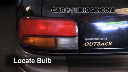 1999 Subaru Impreza Outback 2.2L 4 Cyl. Luces Luz de reversa (reemplazar foco)