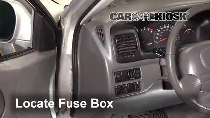 1999 Suzuki Grand Vitara JLX 2.5L V6 Fusible (interior)