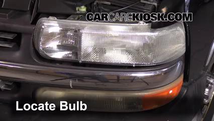 Headlight Change 1999-2007 Chevrolet Silverado 1500 - 2001 Chevrolet