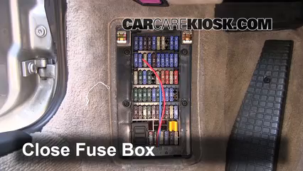interior fuse box location 1998 2005 porsche 911 2000 porsche 911 rh carcarekiosk com 1984 Corvette Fuse Box Location porsche 996 fuse box diagram