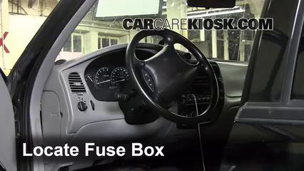 2000 Ford Explorer XLS 4.0L V6 Fusible (interior)