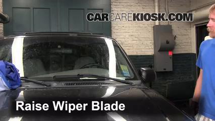 2000 Ford Explorer XLS 4.0L V6 Escobillas de limpiaparabrisas delantero Cambiar escobillas de limpiaparabrisas